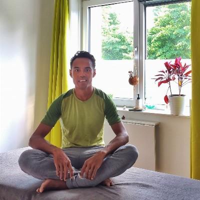 Mioka | Holistische massagetherapie en stoelmassages op locatie