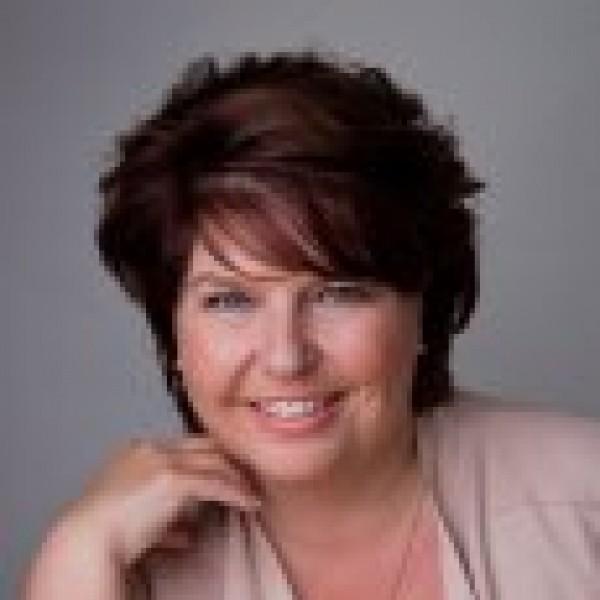 Liane Wolfert-Dronten