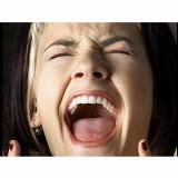 Stemexpressie:  klagen, jammeren én juichen