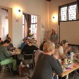 Overgangscafé: Een plek om andere vrouwen in deze fase te ontmoeten