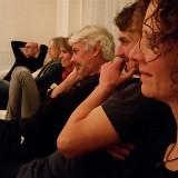 Uitjestoel:Tijd om te spelen. Met een lach en lichter gevoel je bed in. | Haarlem