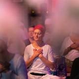 Betoverend samenspel van yoga en gong