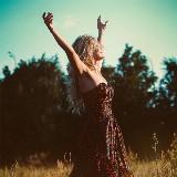 Danscoachreeks Vrouwenkracht - Kom uit je hoofd en leer leven vanuit contact met je lijf en gevoel