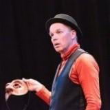 Hamlet vrij naar William Shakespeare, gespeeld door Joris Lehr