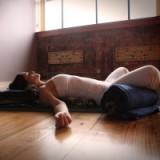 Stilte in jezelf met Restorative Yoga & Yoga Nidra; leer omgaan met alle prikkels van buiten af. door Diana Aben