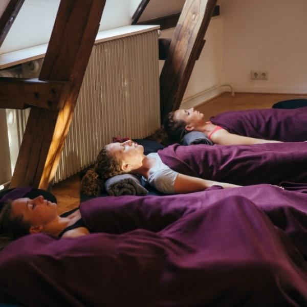 Introductieles iRest Yoga Nidra Training; diepe ontspanning, wetenschappelijk onderbouwd | Haarlem