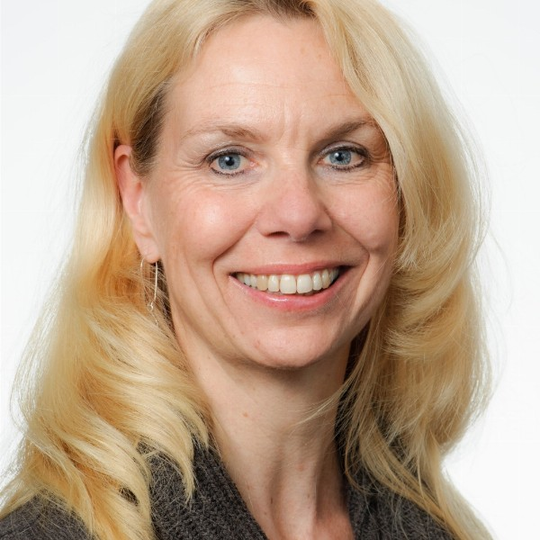 Agnita Bok-Nieuw-vennep