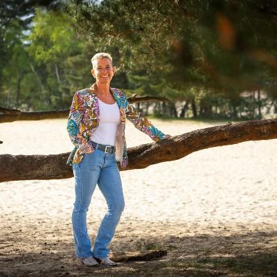 Hilda van der Burgh - Heppie People